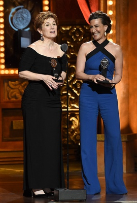 Tony-winning <i>Fun Home</i> writers Lisa Kron and Jeanine Tesori at the 2015 Tony Awards.